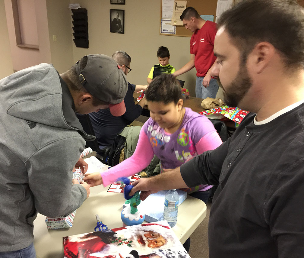 Jaycees Christmas For Kids 2016 11