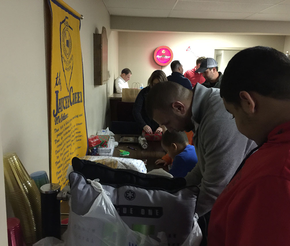 Jaycees Christmas For Kids 2016 13
