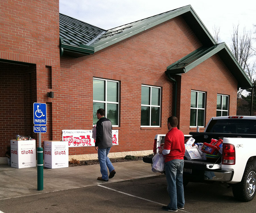 Zanesville Jaycees Toys For Tots 2015 North Valley Bank 4.JPG