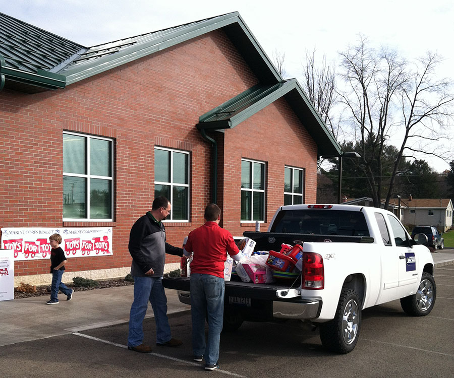 Zanesville Jaycees Toys For Tots 2015 North Valley Bank 5.JPG